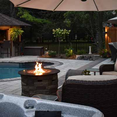 Backyard Fire Pits & Fire Tables